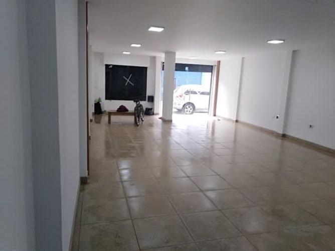 ARRIENDO-VENDO EXCELENTE LOCAL PARA OFICINAS O CONSULTORIOS