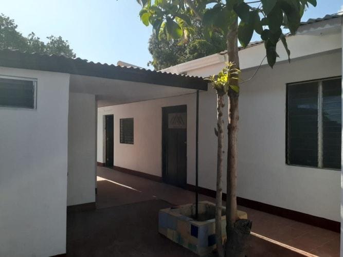 Se vende Casa con 4 apartamentos, ya con inquilinos en el Bo. Altagracia