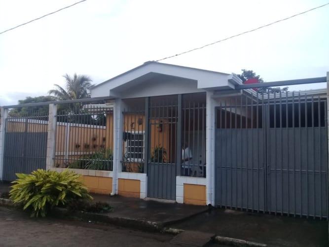 Bonita Casa en Venta en San Isidro- Carazo, CV-9948